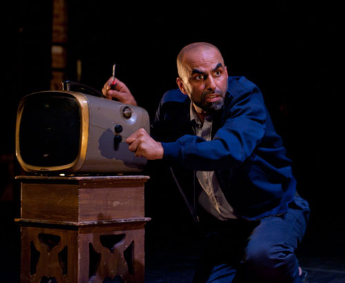 Munaf Alsafi performing in ReOrient 2012. Photo by David Allen Studio.