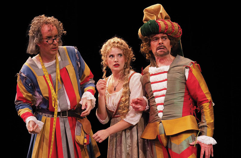 F. Lawrence Ewing as Coco, Michele Schroeder as Pizzi, and Wm. H. Neil as Poobà in Lamplighters' The New Mikado. Photo by Lucas Buxman.